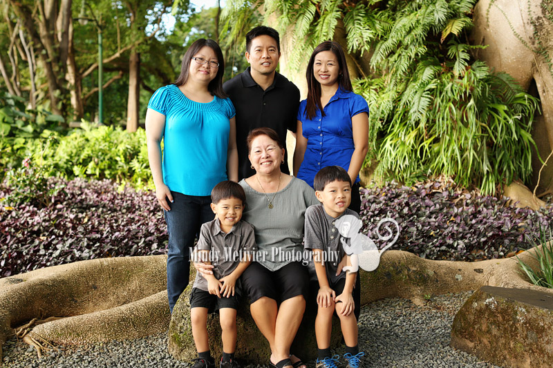 Honolulu Hawaii Family Photo Mindy Metivier